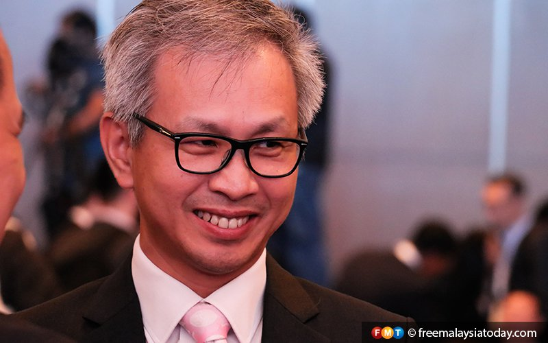 Court rules Pua entitled to damages after Najib dropped defamation suit