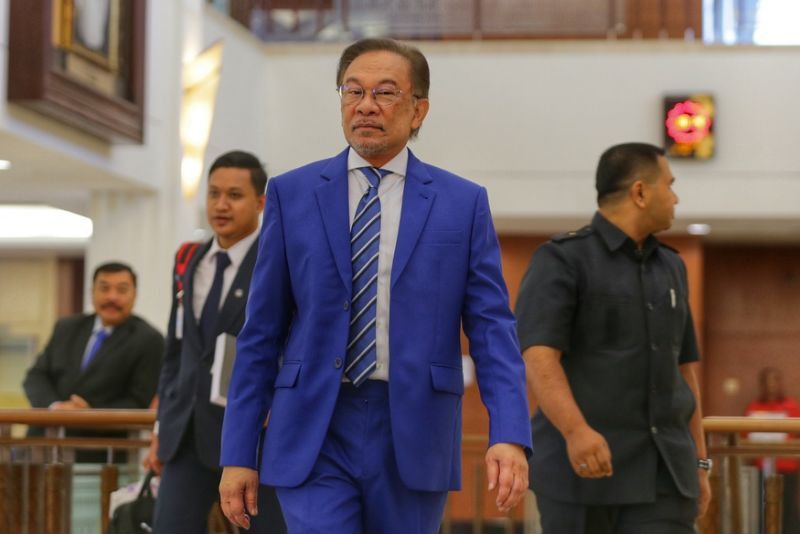 Anwar says only talked economy with Azmin
