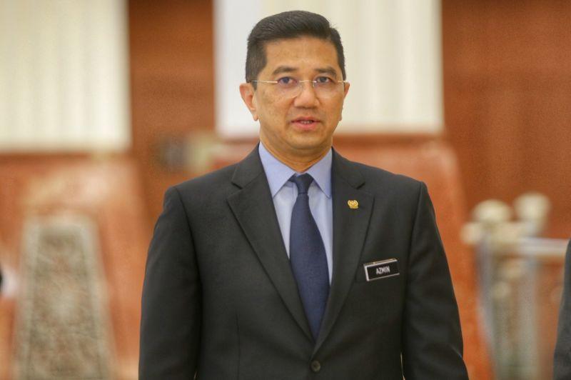 Oil royalty paid as before, Azmin tells Kelantan