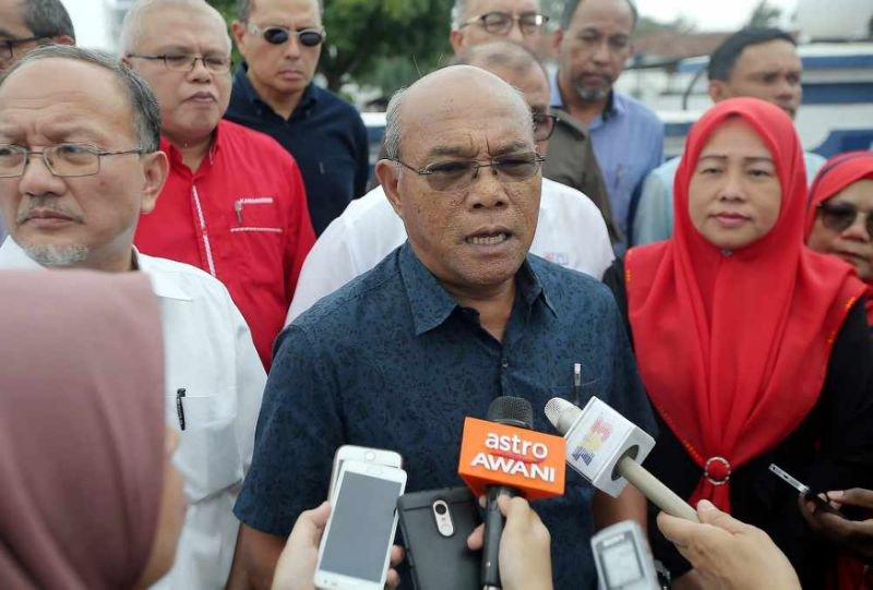 Probe MACC chief for jumping gun on 1MDB money, Perak Umno man tells cops