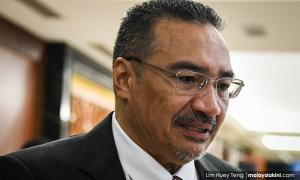 Hisham to Harapan leaders: Backdoor gov't? Talk to your PM