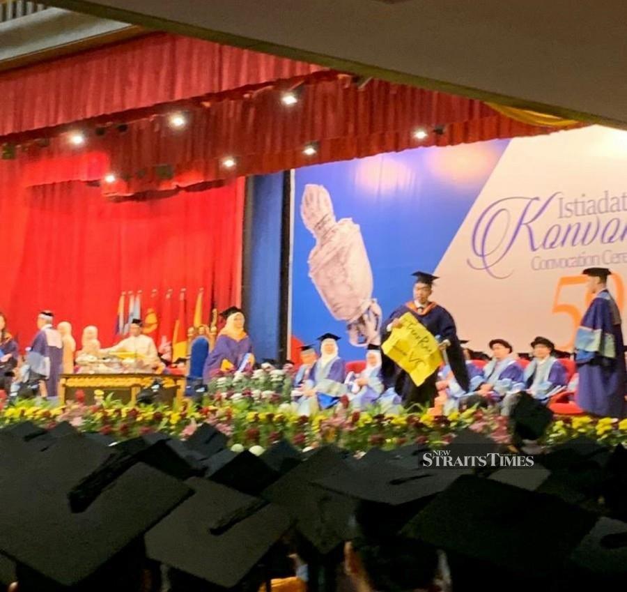 'UM grad has intention to interrupt convocation ceremony'