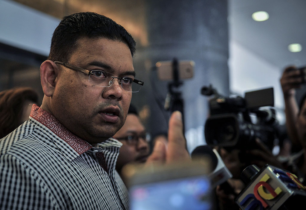 Lokman Adam charged with inciting public through Youtube