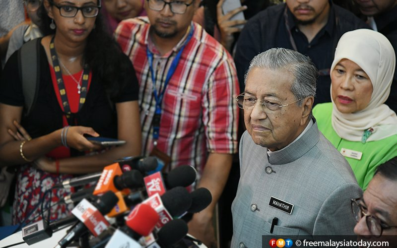 There are other places to demonstrate, Dr M says on student protest