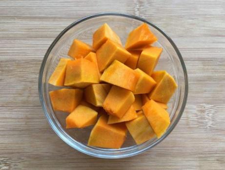 酸汤肥牛正宗做法,只需加这一物,汤底金黄又香醇,开胃还解馋