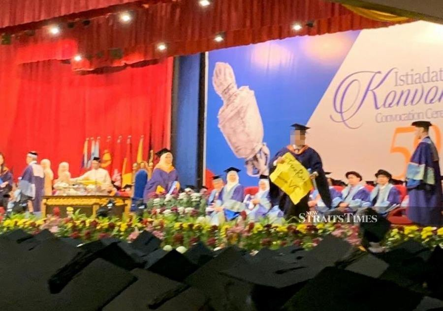 'UM cannot simply revoke student protester's degree'