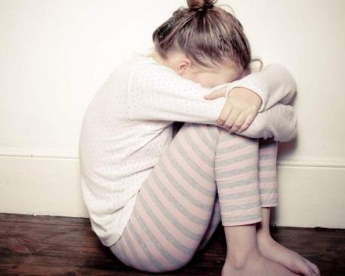 4岁女童多手摸妈妈私处 惊爆:「午睡时老师也这样摸我」