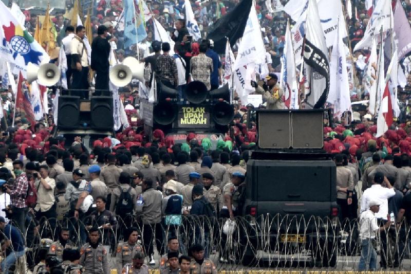 应对通膨·印尼雅加达最低工资涨至约1268令吉