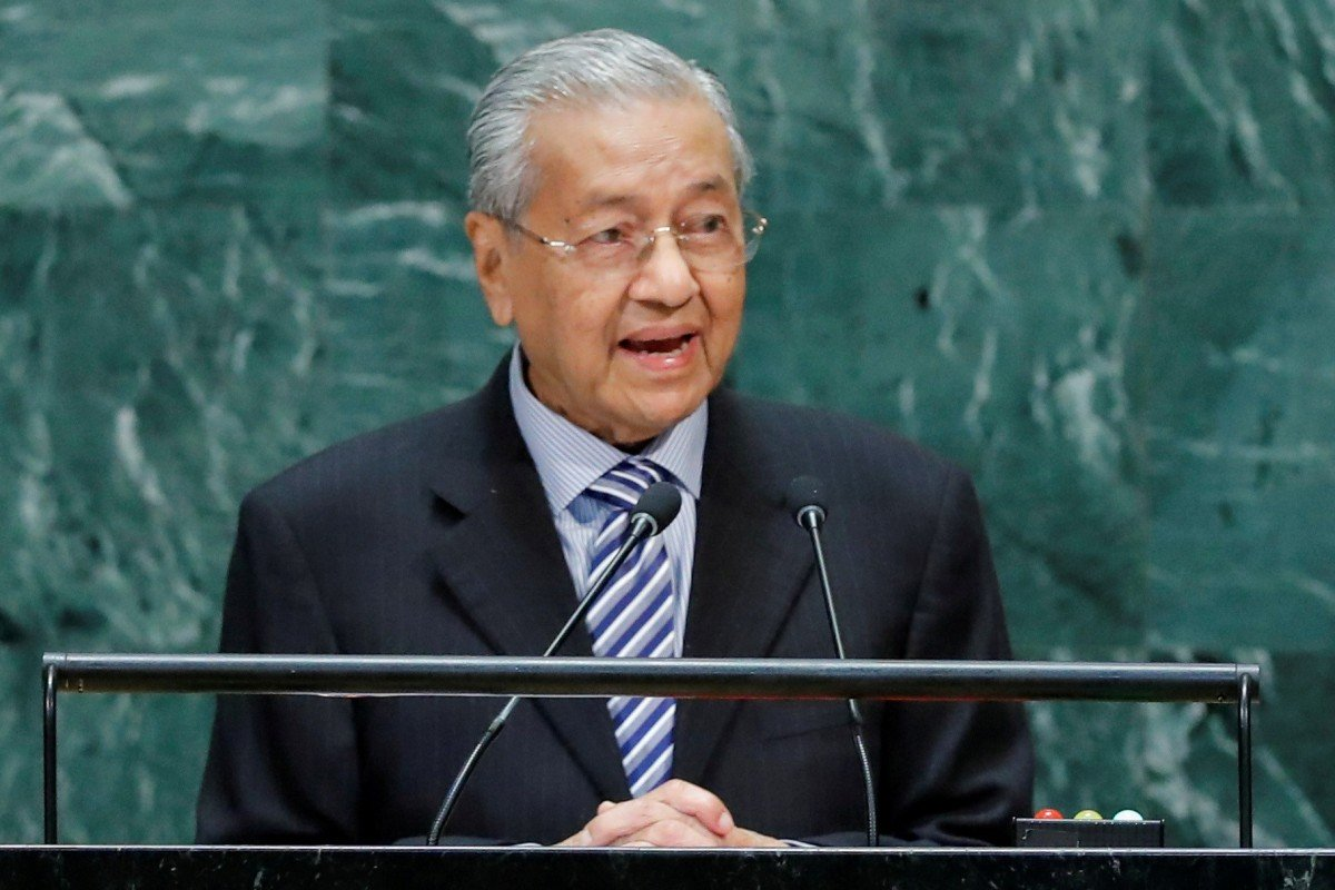 Mahathir fears Malaysia will be target of sanctions amid US-China trade war
