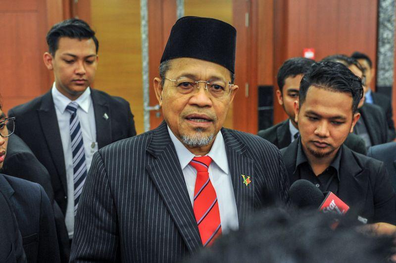 Pointing to UM protester's behaviour, Umno MP says DAP protecting 'rude' graduate