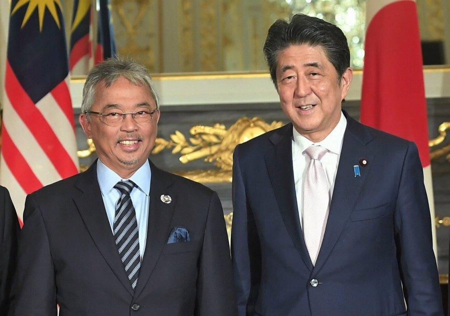 元首伉俪参与日皇即位仪式