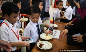Students, teachers suffered food poisoning after breakfast at school