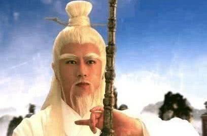 鸿钧老祖在混沌时期打不过的神仙有六个,其中一个是创始元灵