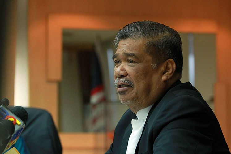 Mohamad Sabu says local defence industry should go all out