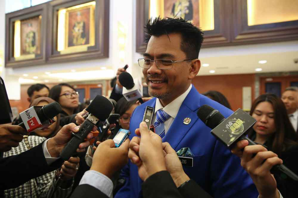 Deputy minister: Police can only check phones of criminal suspects, not members of the public