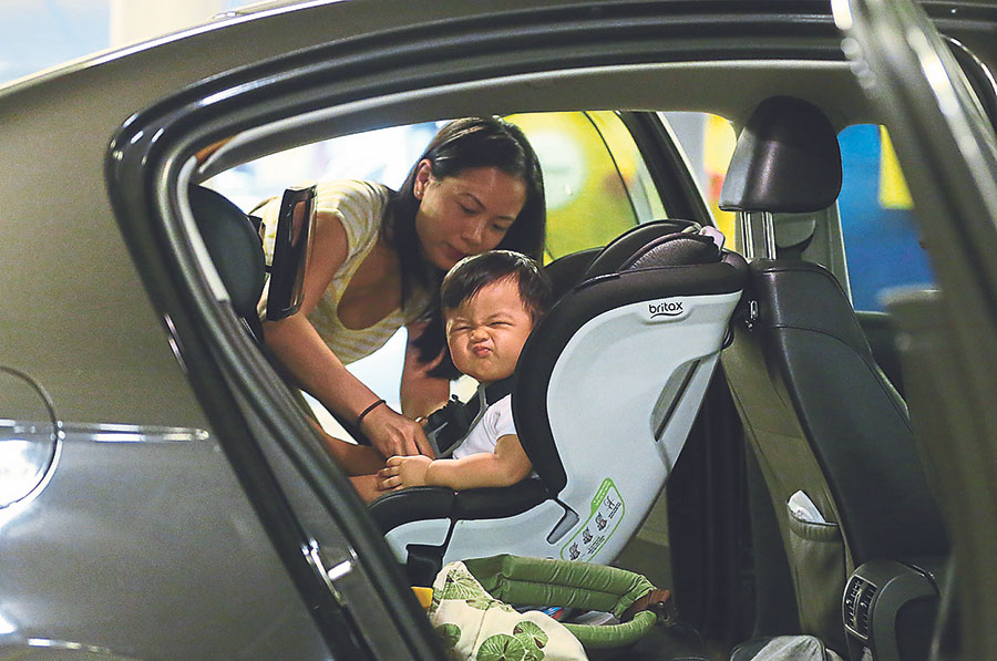 Transport Ministry may exempt 'large families' from mandatory child safety seats in cars