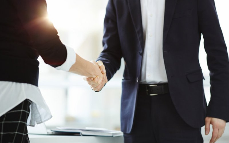 Need for protocol on greeting female civil servants who refuse handshake