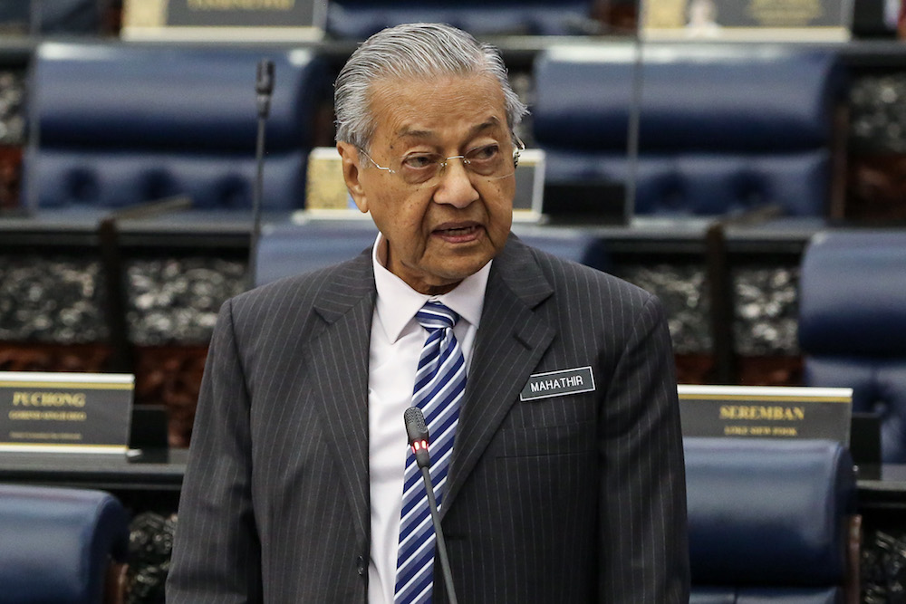 Dr Mahathir arrives in Baku for 18th Non-Aligned Movement Summit