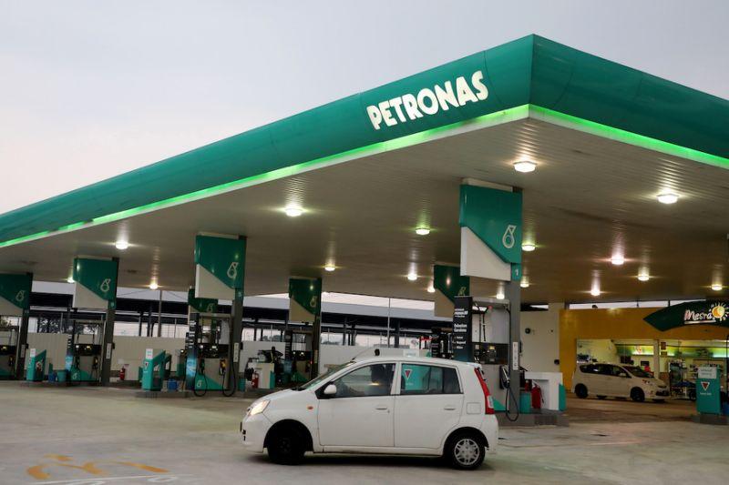 RON97 pump price nine sen cheaper from midnight tonight to Nov 1