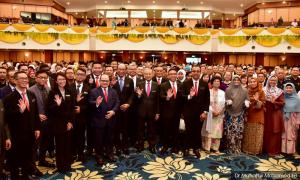 Is the Malacca Harapan gov't at risk of collapse?
