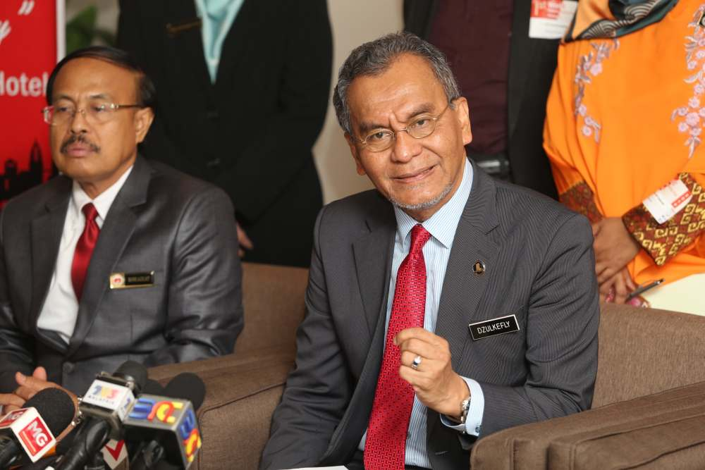 Health Ministry to issue statement on Taiwan dental graduates soon, says Dzulkefly