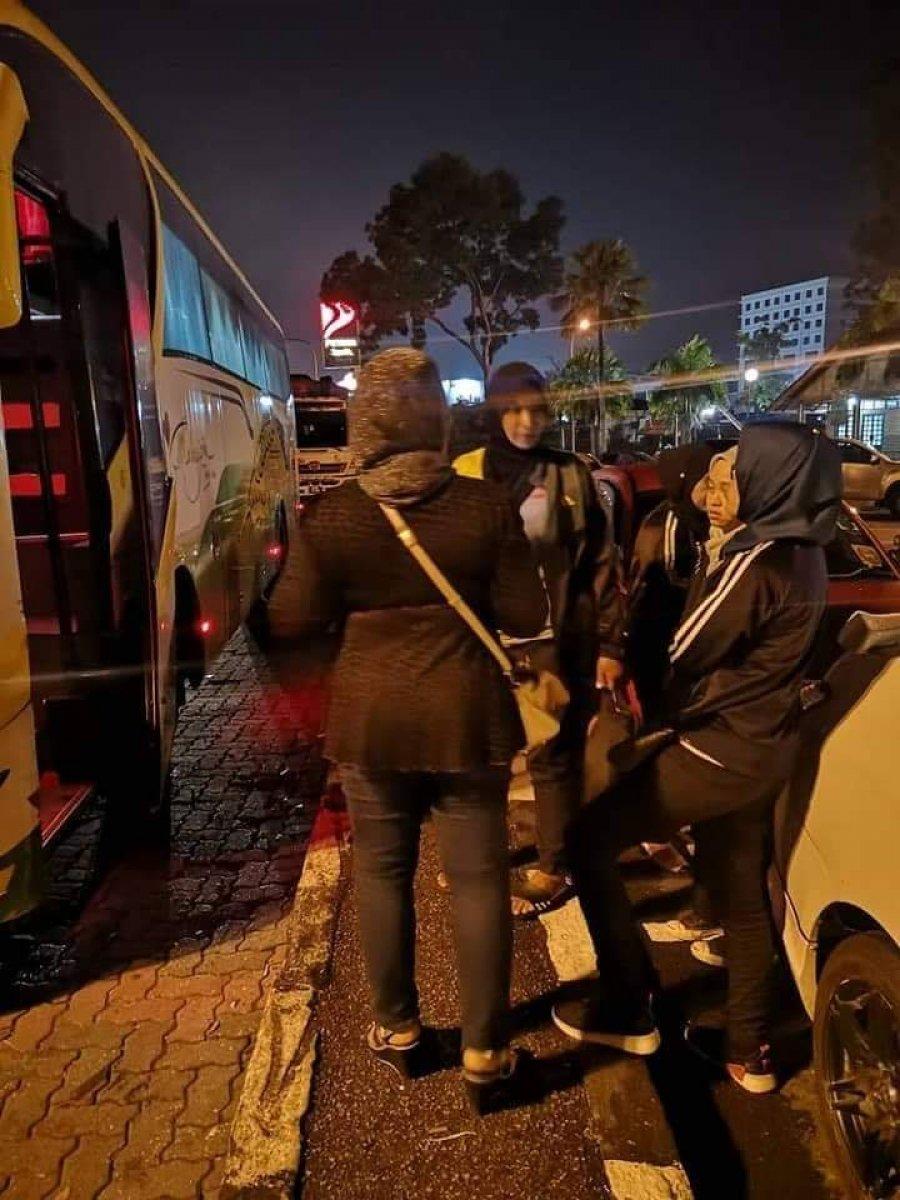 """长巴司机不知所踪 40乘客被""""弃""""休息站"""