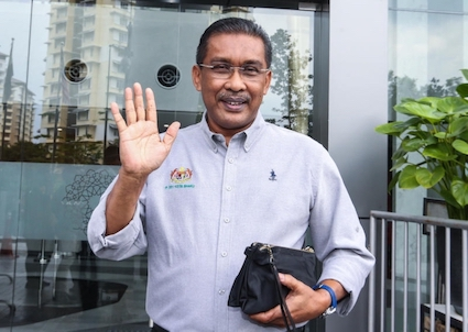 PAS hits back at Anwar for telling it to 'zip it' over DAP ban