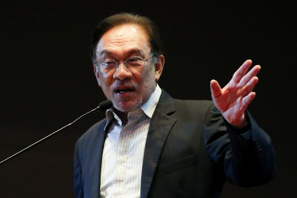 Anwar urges greater transparency in zakat distribution