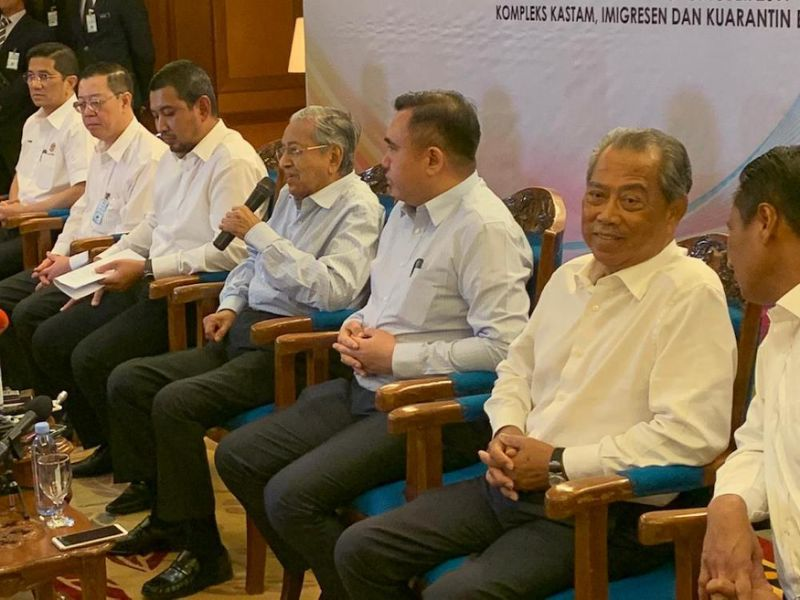 Dr M says authority to sell govt assets lies with him as Khazanah chairman