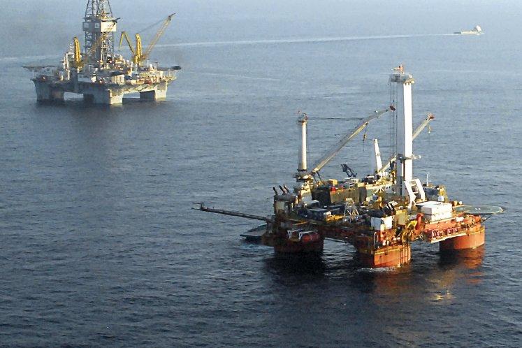 Oil royalty payment to Kelantan and Pahang to start after maritime boundaries established — Azmin