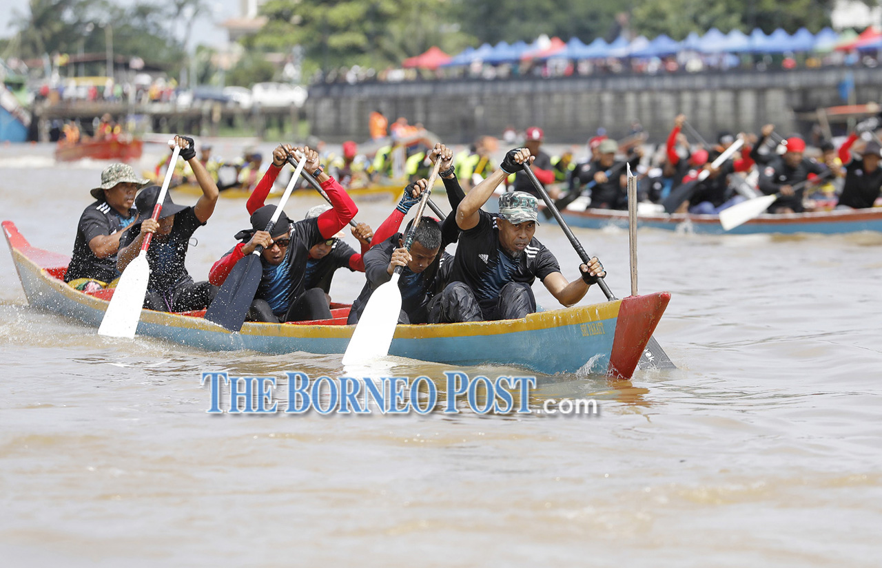 Thousands throng waterfront for Regatta 2019