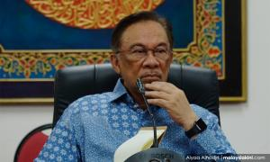 Anwar tells PKR grassroots to ignore discontentment of 'irrelevant' few