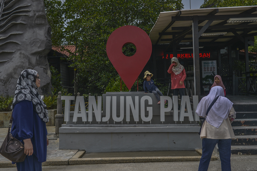 Tanjung Piai by-election: Vote in the morning, thunderstorm risk in the evening