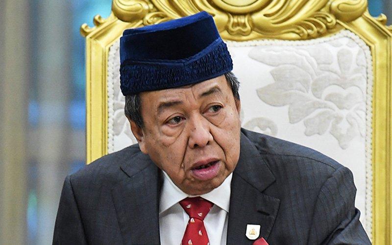 Zakat for Muslims only, stop 'open debate' on it, says Selangor sultan
