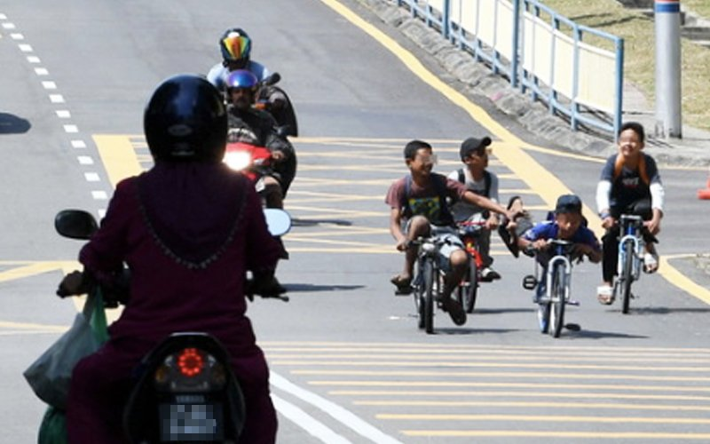 Parents may face the rap for kids doing stunt cycling