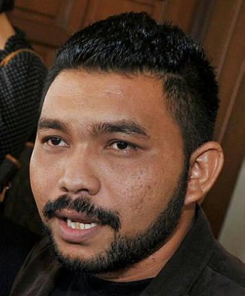 Papagomo grabbed Syed Saddiq by the neck, says witness