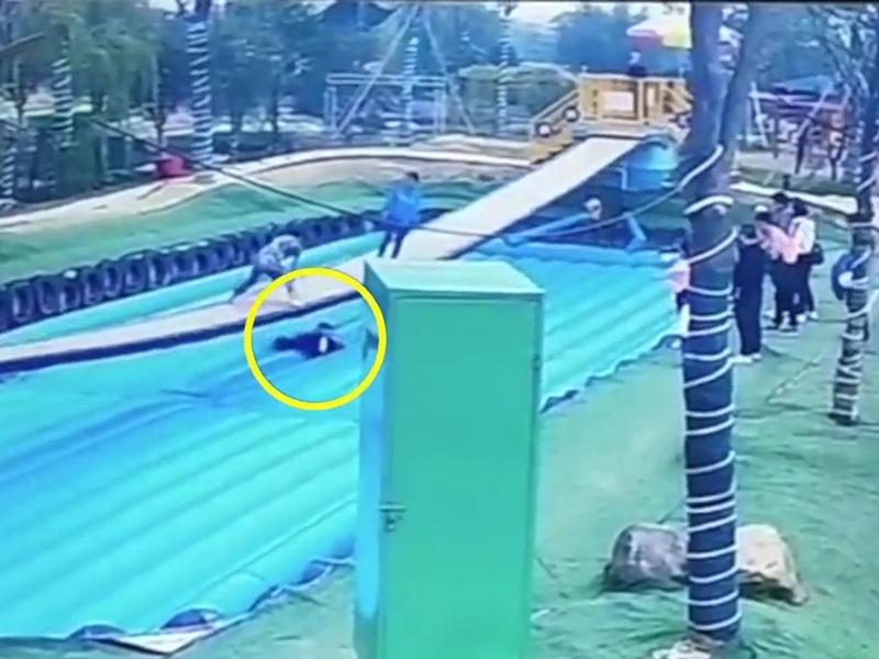 湖南汉玩「摇摆桥」跌落后晕倒身亡 家属认为园方需负责