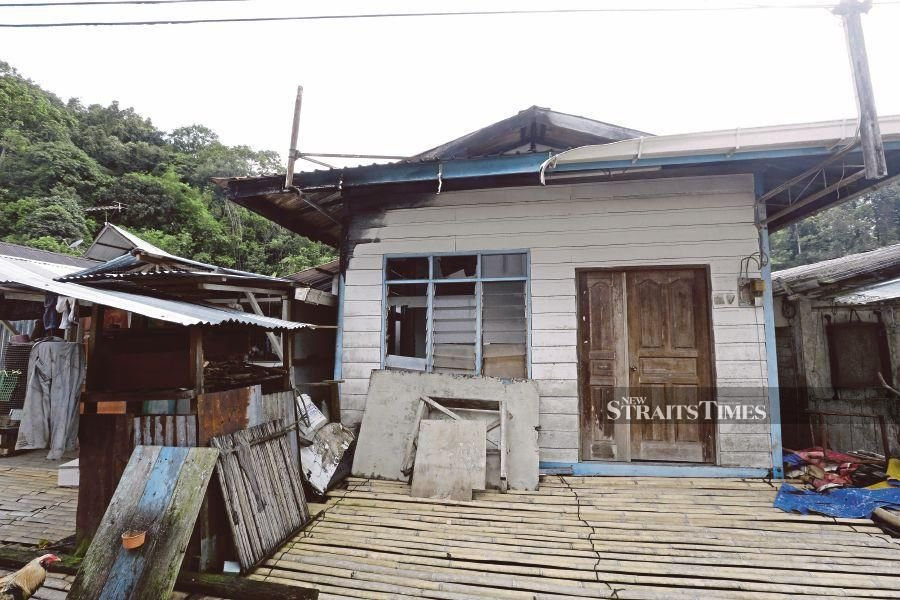 Saving longhouses from destruction by fire