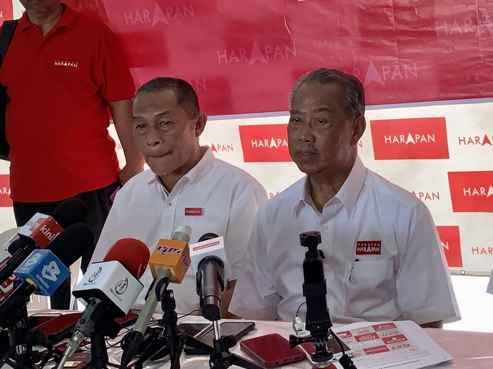 In Tanjung Piai, Muhyiddin challenges MCA to say how it will deal with 'hudud' and PAS