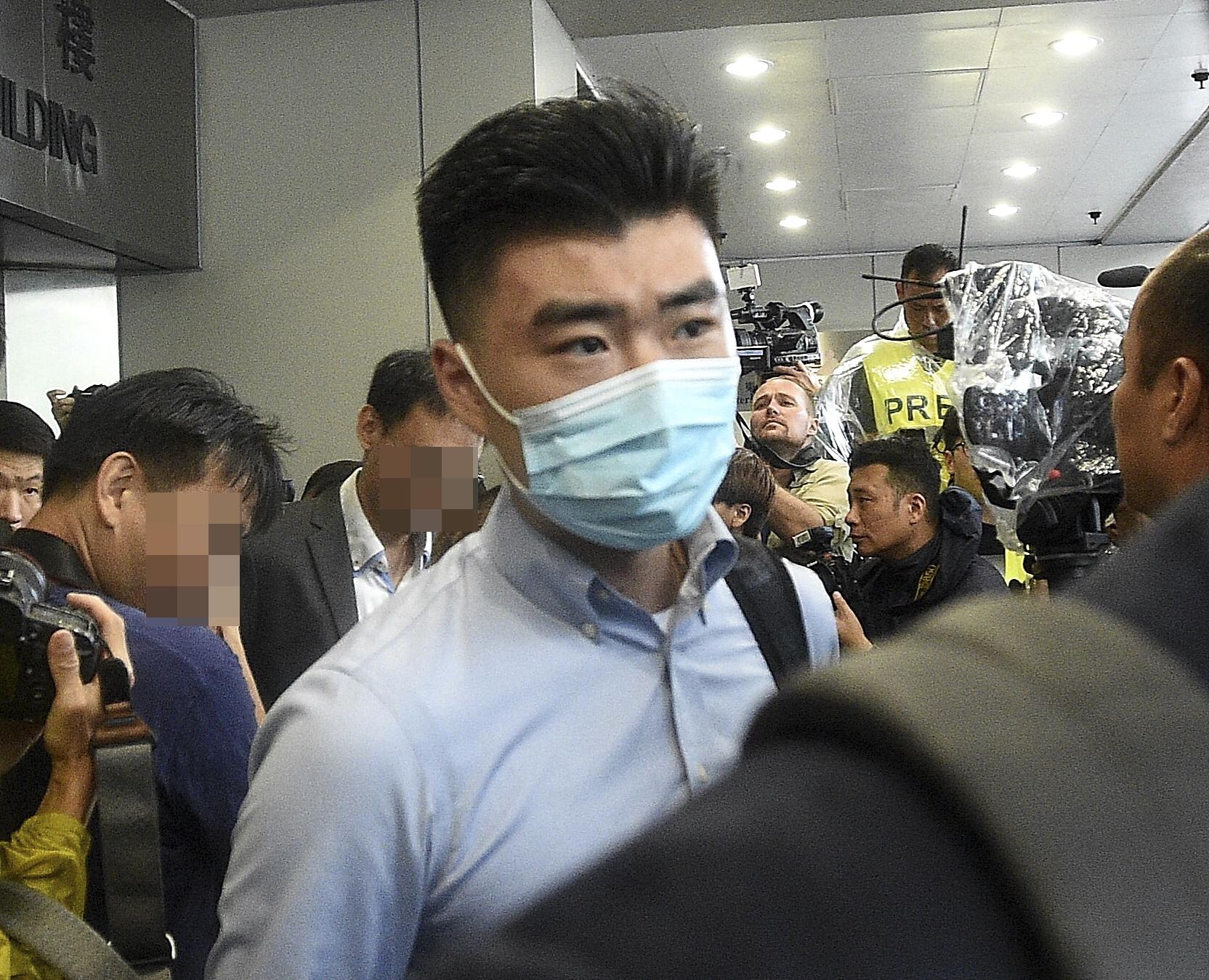 【中上环冲突】扮记者藏伸缩棍 港大内地生判囚6周