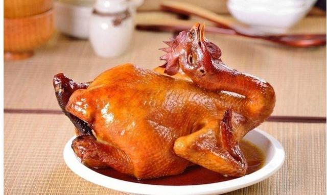 """它是烧鸡中的""""战斗机""""每天制作10万斤,网友:真给河南人长脸!"""