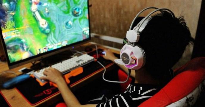 中限未成年玩家网游充值额度 每晚10时后不准打机
