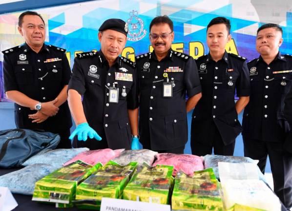 Seven nabbed, 17kg of drugs seized in major drug bust