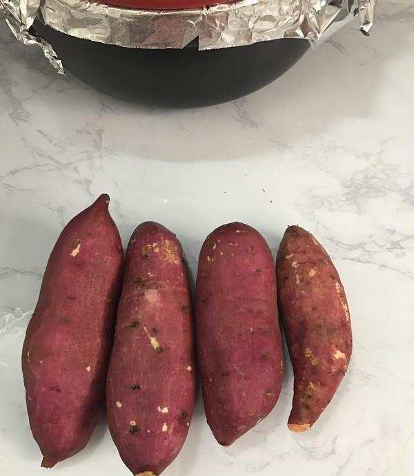 别再买烤红薯,用砂锅就能做,不加一滴水,又甜又面,还不黑手
