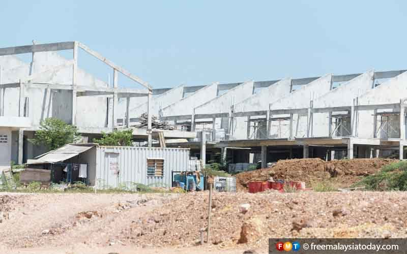 We've not given extension of time for new housing schemes, says Zuraida