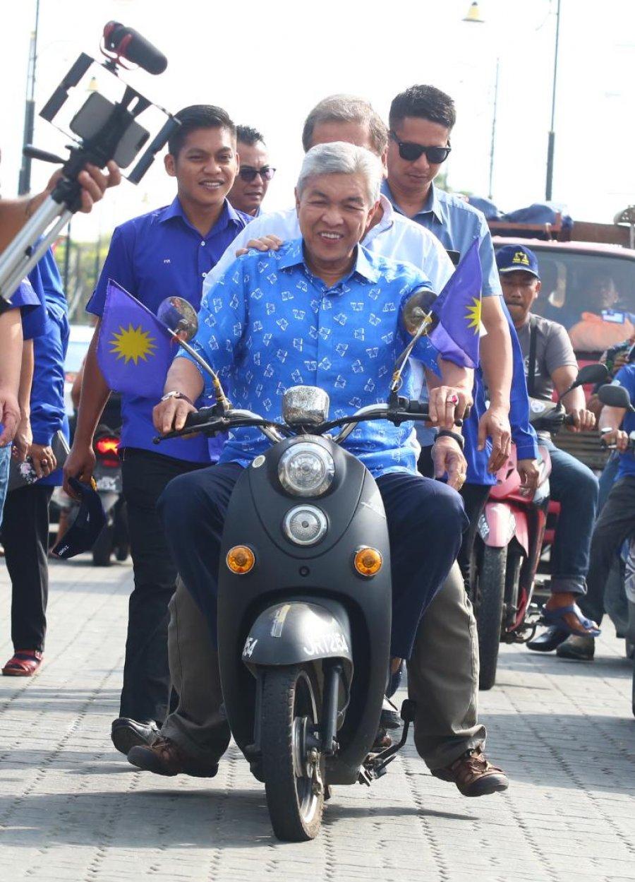 霹密谋倒大臣风波 阿末扎希:国阵可能重夺霹州政权