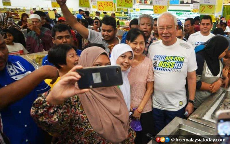 No outriders no problem for me to campaign, says Najib