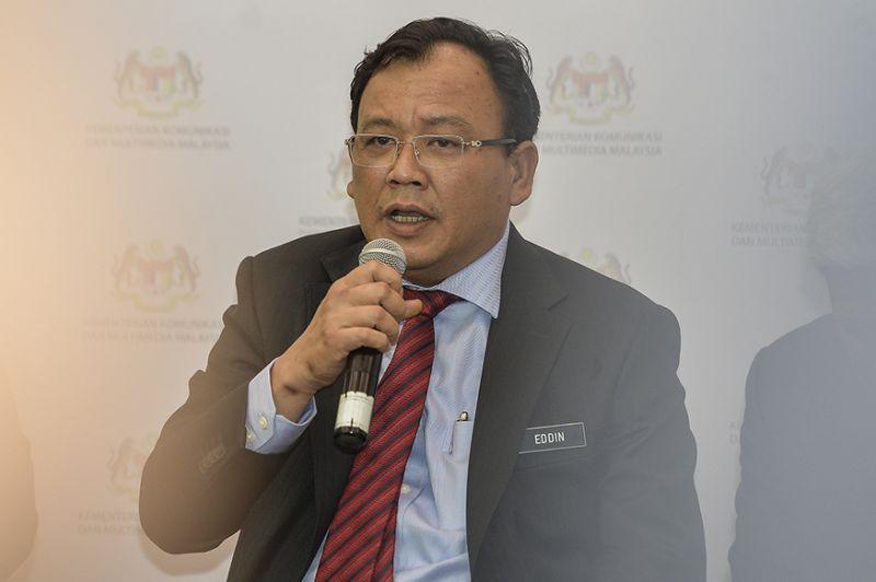 Deputy Minister Eddin Syazlee collapses in Dewan Rakyat, believed from heart attack