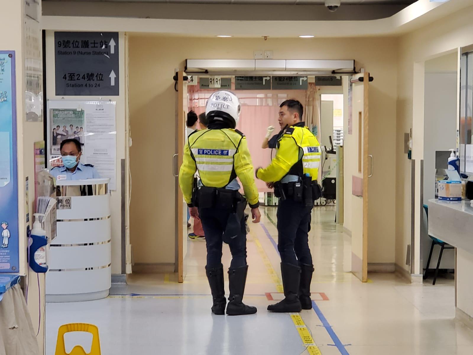 【大三罢】警员西湾河站外连开3枪 2青年受伤送院(有片)