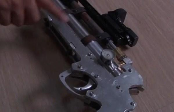 研究生待业在家非法改枪 传噪音被举报揭发